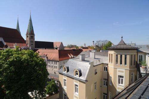 Dom Hotel mit Blick auf den Dom
